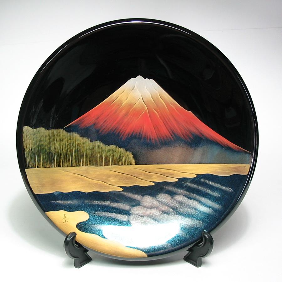 飾り皿 富士に松原 黒  木製漆塗り 絵皿