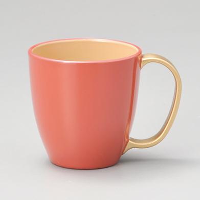 マグカップ 持ち手金 ピンク内白
